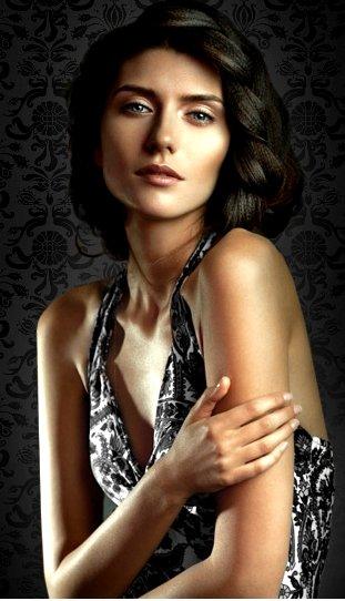 ... de Parfum von <b>Julia John</b>: Die Neuparfumeurin <b>Julia John</b> setzt mit ihrem ... - animi_julia_john